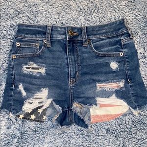 American Eagle • Distressed shorts • Small